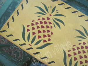 Pineapple Table Runner in Pine Yellow