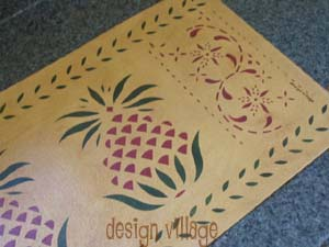Early American Pineapple Table Runner with May House Border